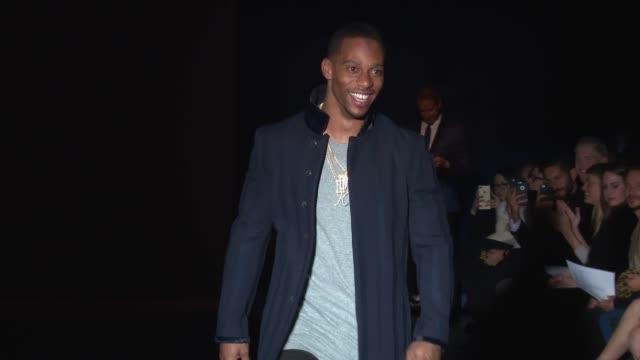 vídeos y material grabado en eventos de stock de victor cruz walks the runway at blue jacket fashion show at pier 59 on february 01, 2017 in new york city. - colección de la moda