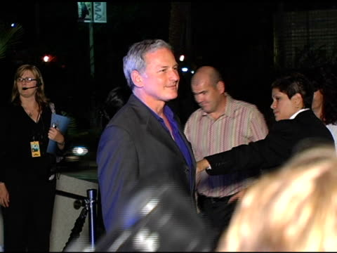 victor garber at the 'eternal sunshine of the spotless mind' dvd launch party at the los angeles county museum of art in los angeles, california on... - ロサンゼルスカウンティ美術館点の映像素材/bロール