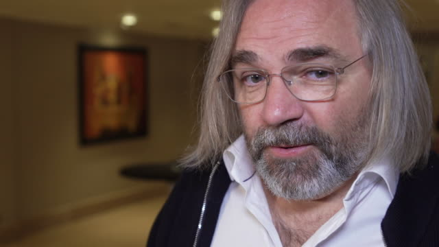 vidéos et rushes de interview victor kossakovsky director on climate change and the 'insanity' of humans on october 13 2018 in london england - folie