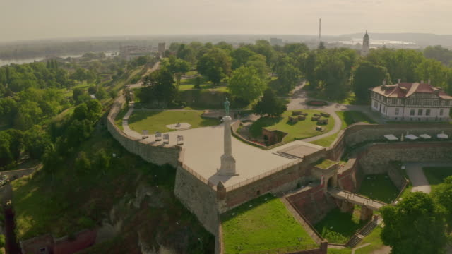 victor monument in serbia.  aerial view of kalemegdan, belgrade - 1928 stock videos & royalty-free footage
