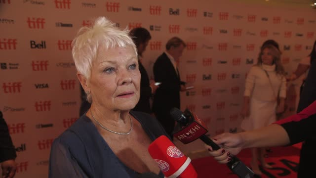 vidéos et rushes de clean victoria abdul premiere presented by focus features toronto international film festival 2017 at princess of wales theatre on september 10 2017... - judi dench