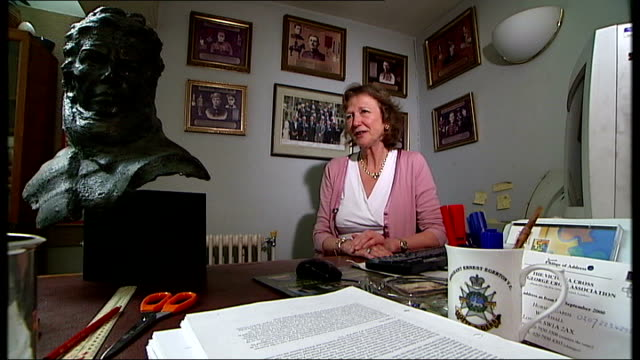 stockvideo's en b-roll-footage met victoria cross medal exhibition at imperial war museum location unknown int mrs didy grahame obe mvo interview sot talks of oldest vc holder - imperial war museum museum