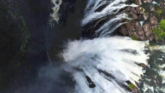 vidéos et rushes de victoria falls - zimbabwe - flowing water