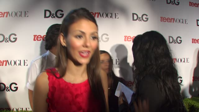 victoria justice on being a part of the night, what she appreciates about teen vogue at the 7th annual teen vogue young hollywood party at hollywood... - ヴィクトリア・ジャスティス点の映像素材/bロール