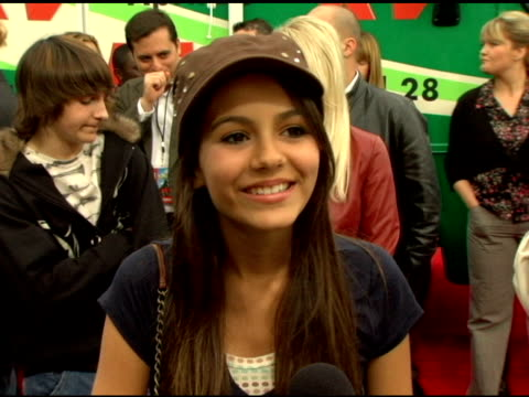 victoria justice on her show 'zoe 101' also starring jamie lynn spears at the 'rv' los angeles premiere at westwood villiage in westwood california... - 2006 stock videos & royalty-free footage