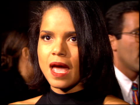 victoria rowell at the 'dumb and dumber' premiere at the cinerama dome at arclight cinemas in hollywood california on december 6 1994 - arclight cinemas hollywood stock-videos und b-roll-filmmaterial