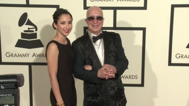 stockvideo's en b-roll-footage met victoria shaffer and paul shaffer at 58th annual grammy awards® arrivals at staples center on february 15 2016 in los angeles california - 58e grammy awards