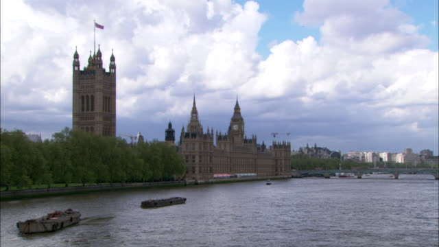 WS, PAN, Victoria Tower and Houses of Parliament and London Eye, Thames River in foreground, London , England