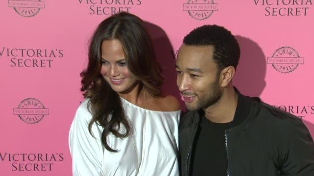 vídeos de stock, filmes e b-roll de victoria's secret 2011 swim collection launch los angeles ca united states 3/30/11 - supermodelo