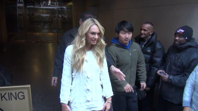 vídeos de stock, filmes e b-roll de victoria's secret angel candice swanepoel leaving the 'today' show in celebrity sightings in new york - victoria's secret angel