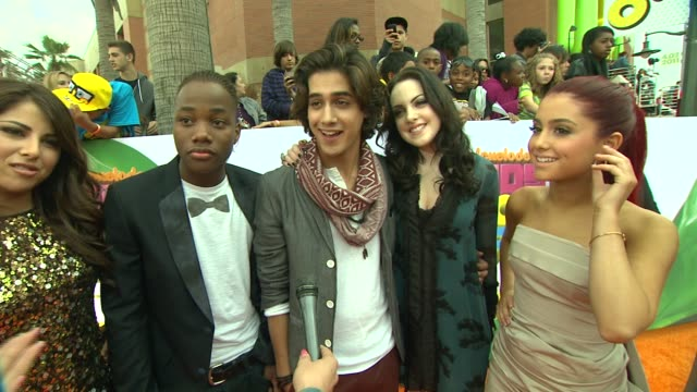 victorious cast on how it feels to be at the kca, hoping victoria justice takes home a blimp, looking forward to seeing victoria perform, if they are... - nickelodeon stock videos & royalty-free footage