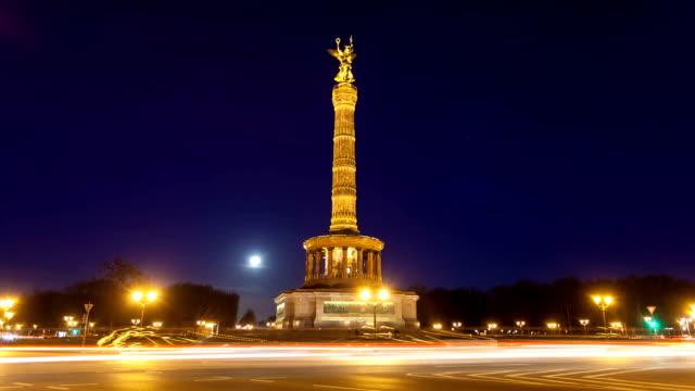 victory column at night, berlin - ängel bildbanksvideor och videomaterial från bakom kulisserna