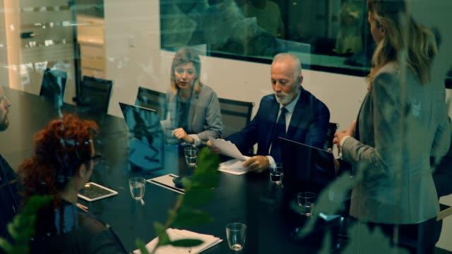 vídeos y material grabado en eventos de stock de 4k video - negocios - altos cargos directivos