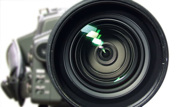 video-kamera mit zoom - fernsehkamera stock-videos und b-roll-filmmaterial