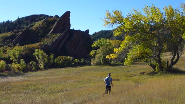 HD video Colorado autumn trail run Roxbrough state park