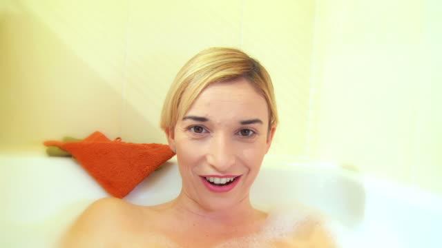 HD: Vídeo-conferência na Banho