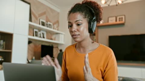videokonferens - hot desking bildbanksvideor och videomaterial från bakom kulisserna