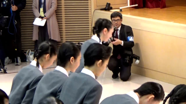Video footage taken at the Takarazuka Music School in Takarazuka Hyogo Prefecture shows the April 18 entrance ceremony held for the school's 107th...