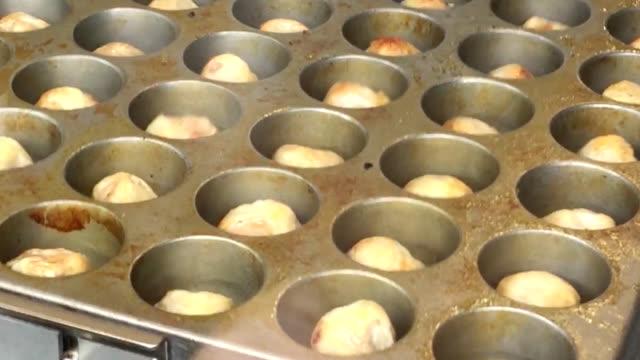 video footage taken feb 27 in yokohama's chinatown district shows the opening of a new shumai dumpling bar operated by kiyoken co a yokohamabased... - insel honshu stock-videos und b-roll-filmmaterial