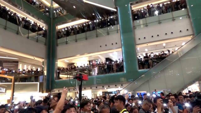 """video footage taken in hong kong from sept 10 to 13 shows residents singing """"glory to hong kong"""" which has virtually become the anthem for... - 抗議者点の映像素材/bロール"""