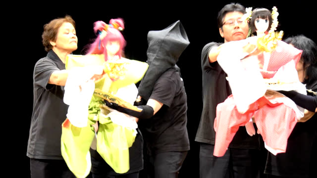 """video footage taken on july 26 in nose osaka prefecture shows a local troupe rehearsing a """"joruri"""" puppet theater featuring two animeinspired puppets... - 操り人形点の映像素材/bロール"""