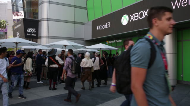 vidéos et rushes de video game expo in los angeles california us on teusday june 12 2018 - exposition et salon professionnel
