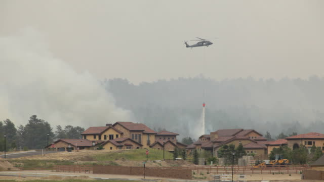 HD video helicopter drops water on Colorado Springs wildfire