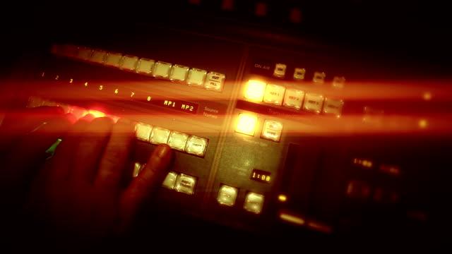 vidéos et rushes de de mixage vidéo - poste de radio