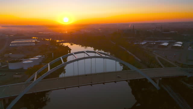 4k video nashville tennessee skyline and cumberland river aerial drone footage during sunrise - non urban scene stock videos & royalty-free footage