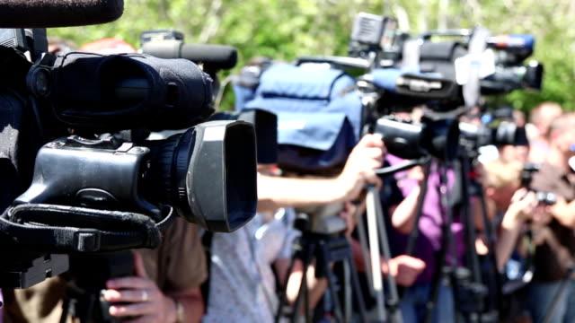 video news cameraman