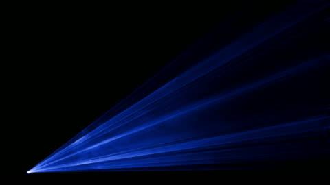 stockvideo's en b-roll-footage met video van de blauwe laser show in 4k - laser