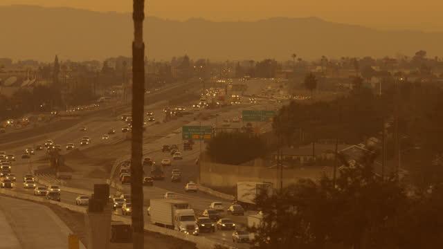 4k video of los angeles freeways - clear sky stock videos & royalty-free footage