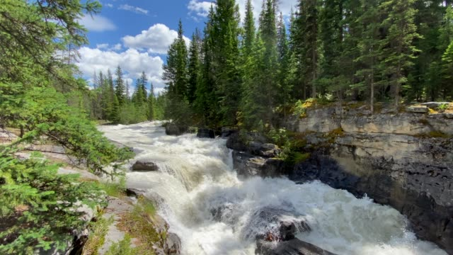 4k video of maligne canyon in jasper national park, alberta, canada - maligne river stock videos & royalty-free footage