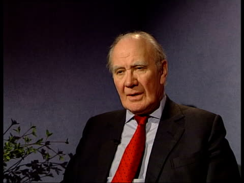 video of private contractors appearing to fire at iraqi civilians itn london int sir menzies campbell interview sot if this video is an acurate... - sir menzies campbell bildbanksvideor och videomaterial från bakom kulisserna