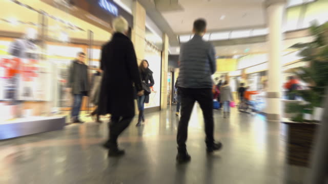 Video of shopping center in 4K