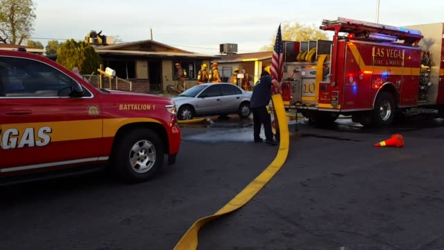 Video of the Las Vegas Fire Department cleaning up after an empty house fire at 844 West Hart Ave The fire could have been caused by squatters The...