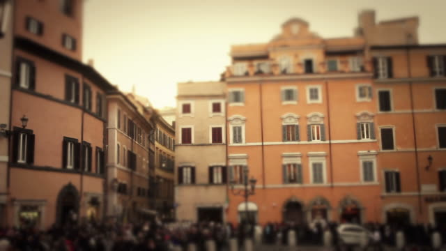 Video of the Trevi Square and Fountain in Rome