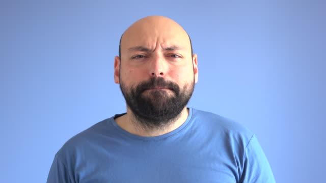 UHD Portrait vidéo de jouir et de danse adulte homme