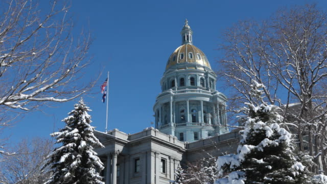 hd video snowy denver colorado state capitol building in winter - dome stock videos & royalty-free footage