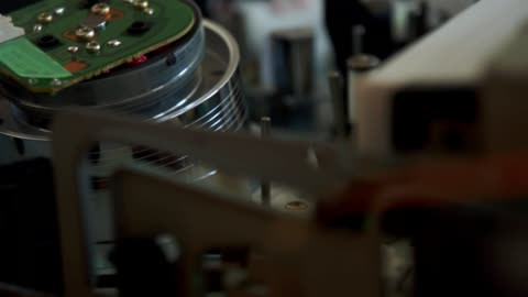 vhs-video von innen videorekorder - film camera stock-videos und b-roll-filmmaterial