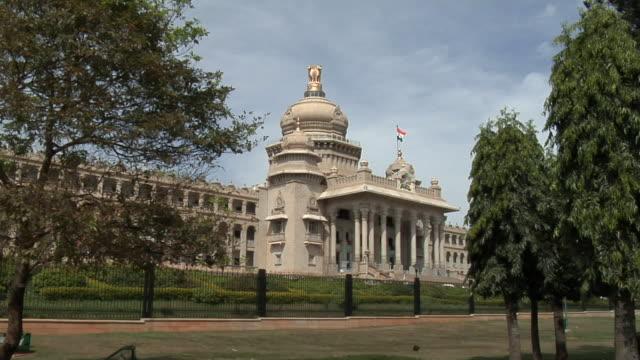 ws vidhana soudha government building/ bangalore, karnataka, india - indian politics stock videos & royalty-free footage