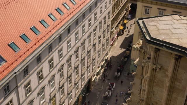 vienna city skyline, utsikt från luften från ovan staden - österrikisk kultur bildbanksvideor och videomaterial från bakom kulisserna