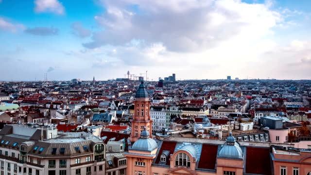 vienna cityscape time lapse - zoom in - austria video stock e b–roll