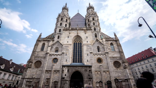vienna st. stephen's cathedral hyperlapse morphlapse - austria stock videos & royalty-free footage