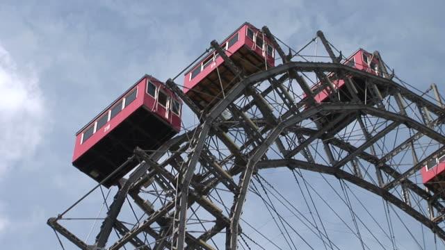 viennaclose view of prater's giant ferris wheel in vienna austria - プラーター公園点の映像素材/bロール