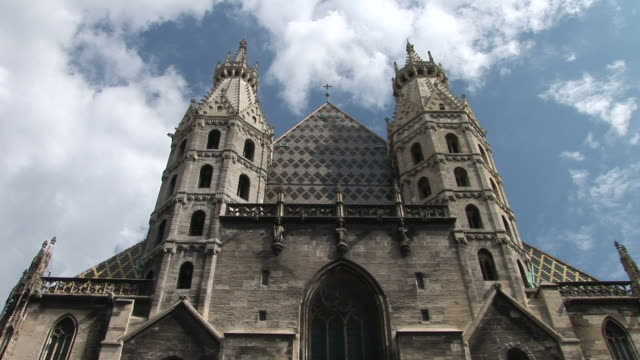 viennafront view of cathedral in vienna austria - 宗教施設点の映像素材/bロール