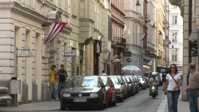 viennaview of a street in vienna austria - österreichische kultur stock-videos und b-roll-filmmaterial
