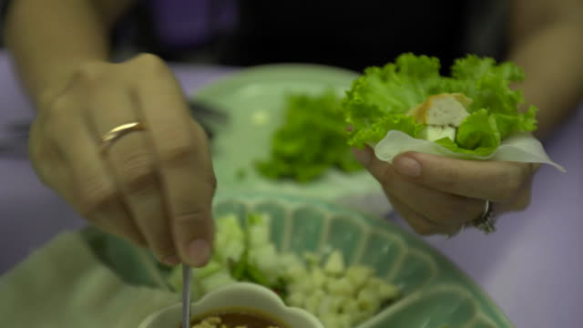 stockvideo's en b-roll-footage met vietnam keuken - vietnam