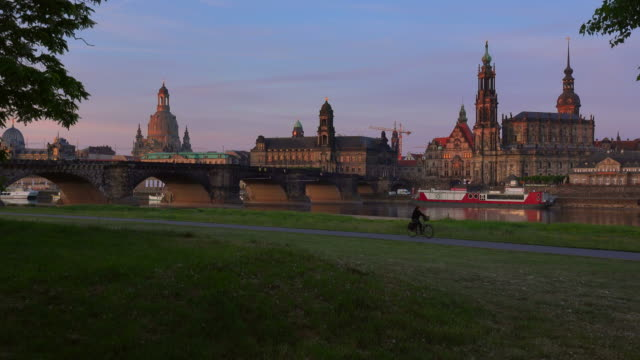 view across elbe river towards bruehl's terrace with academy of fine arts and frauenkirche, church of our lady, dresden, saxony, germany - dresden germany stock videos & royalty-free footage