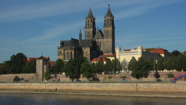 View across River Elbe towards Magdeburg Cathedral, Magdeburg, Saxony-Anhalt, Germany